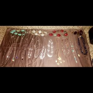 LOT OF 18 fashion necklaces!!!